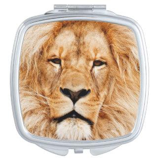 stunning_lion_portrait_compact_mirror_photousacompactmirror-ra16889ae14e54b898ff16b9133d7d1f1_z2hh9_324